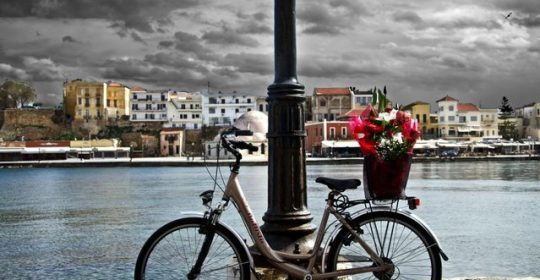 bike-on-chania-port